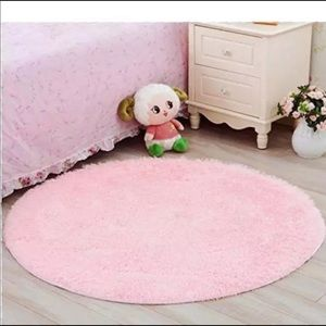 """New 48"""" round rug with carry bag"""